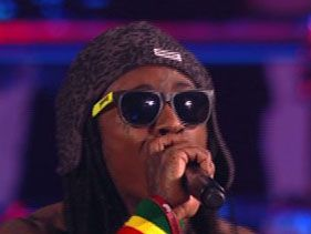 Lil Wayne performs at the 2012 VMAs