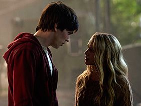 Nicholas Hoult and Teresa Palmer in &quot;Warm Bodies&quot;