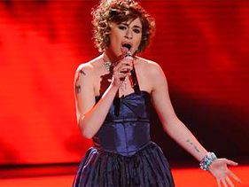 "Siobhan Magnus performs on ""American Idol"" on Tuesday"
