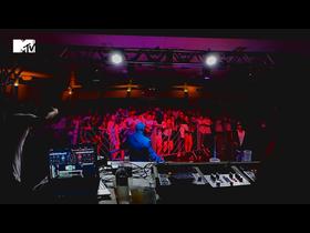 Rhamm Thrash ataca o mercado nacional com Bass Music! O produtor atualmente mora em Taubaté interior de São Paulo e já está reproduzindo o Vale do Paraíba com outras ideias, veja na foto!