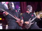 Slipknot's Paul Gray and Jim Root in 2001